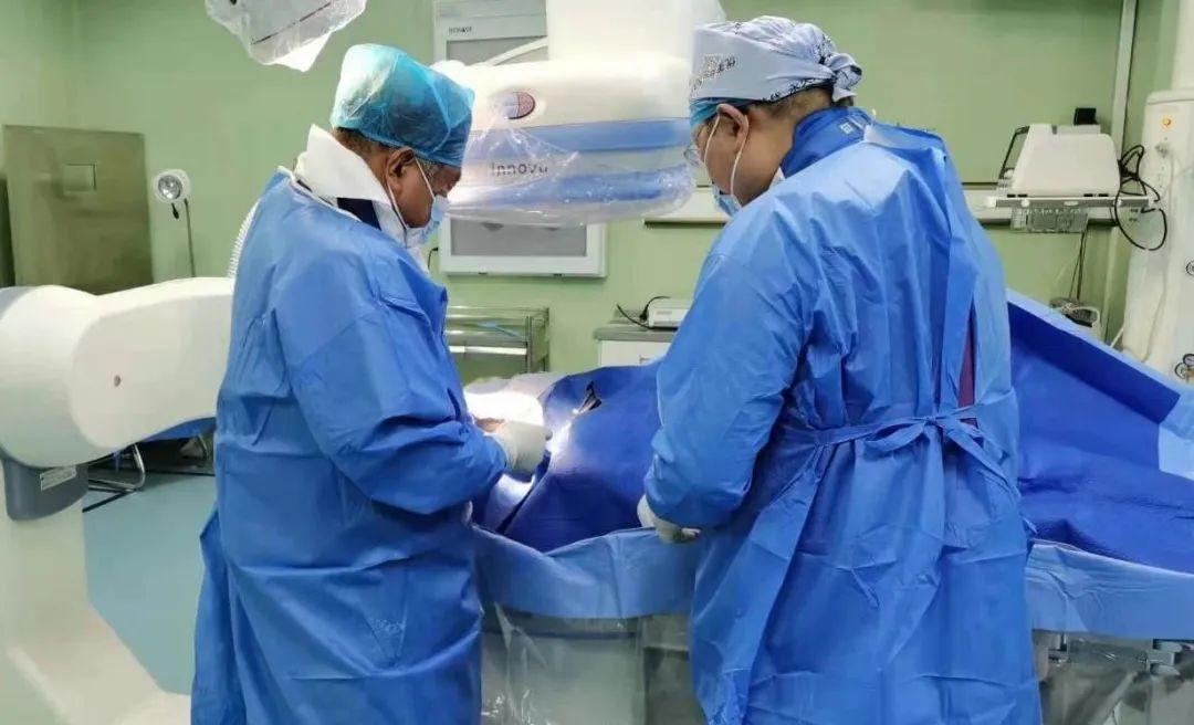 【专科建设】石岛人民医院成功开展威海市首例经桡动脉穿刺入路肝动脉化疗栓塞术及经皮脾动脉部分栓塞术!